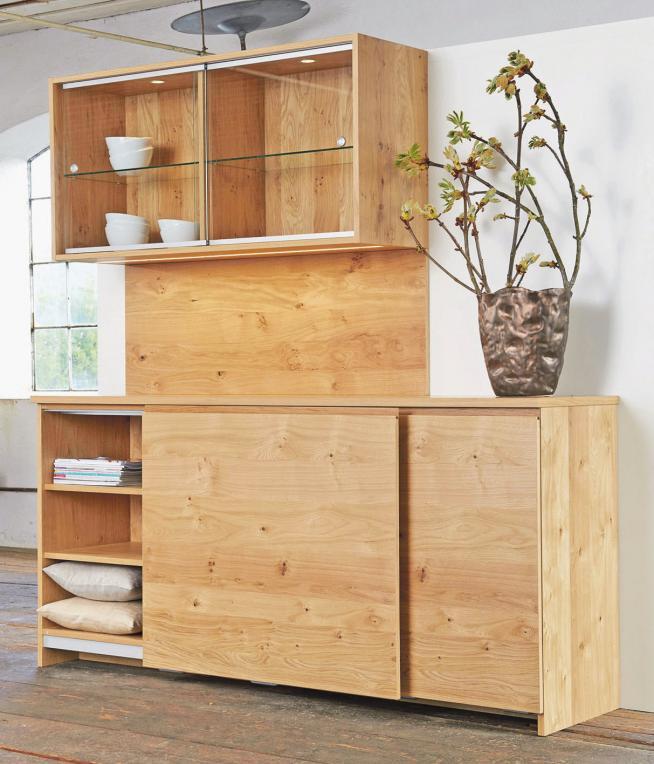 Chic und praktisch zugleich: Tischler und Schreiner sind Holzexperten und Möbeldesigner in einer PersonFoto: djd/TopaTeam/miaa