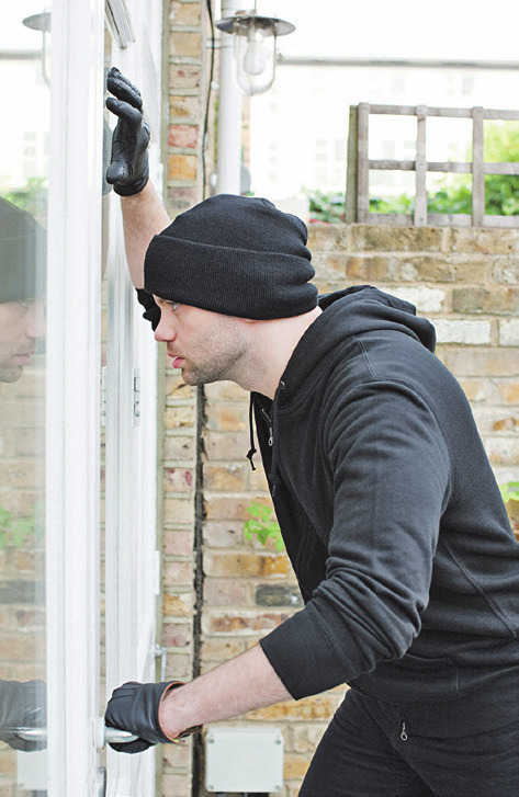 Die neuen, nach DIN 18104- 2 zertifizierten Winkhaus Beschläge bremsen Einbrecher schon am Fenster aus. Foto: epr/Winkhaus